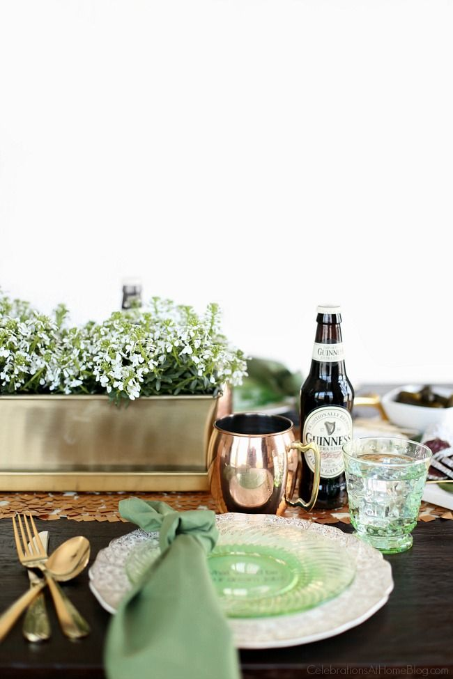 Irish themed dinner party or St Patricks day party with inspiration and recipes, found here.