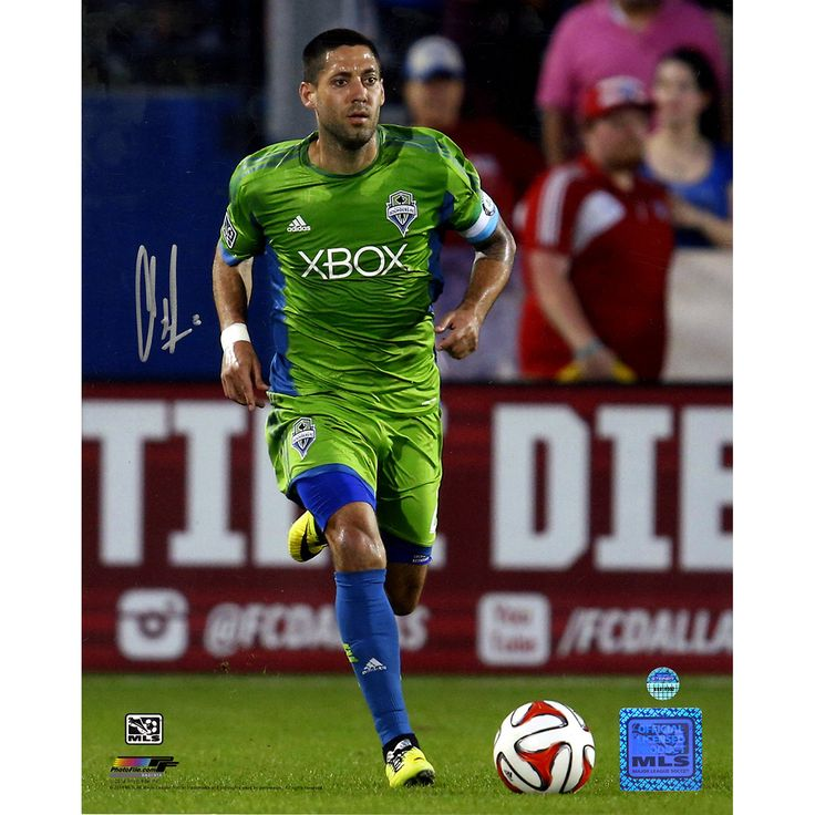 Clint Dempsey Signed Dribbling Ball Seattle Sounders 8x10 Photo