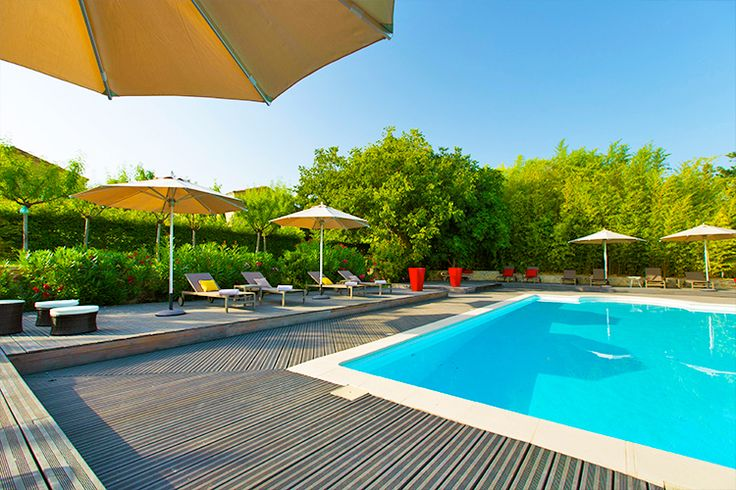 La Cour des Sens - Luxury Bed and Breakfast in Provence - Luberon - 8 km from Gordes. 5 luxury guest rooms - Pool - Jacuzzi - Hammam To discover on our website