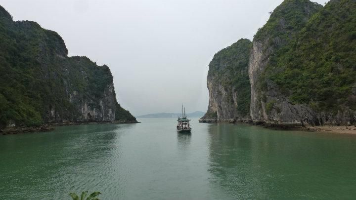 Halong Bay | 2014 Trip Around The World | Off Exploring