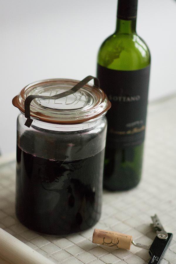Brombærlikør, rødvin, vodka