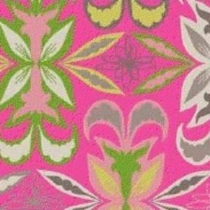 Jessica Gonacha Swift - Preeti - Serenditt in Pink @Kerry Bowlin This is kinda hippy ish