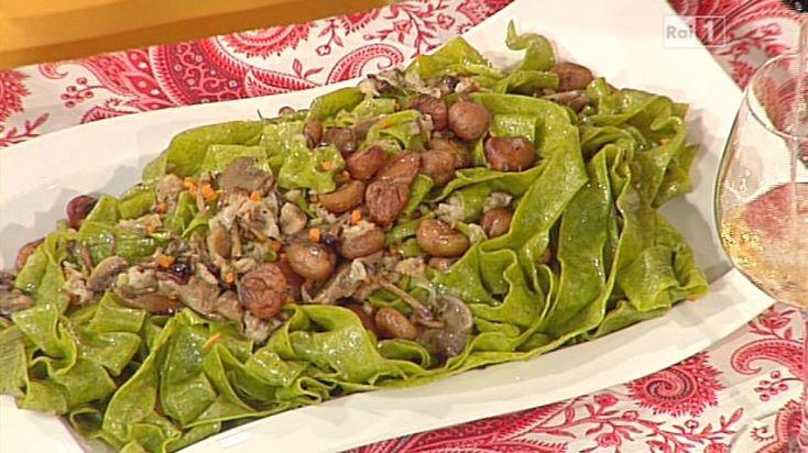 La ricetta delle pappardelle verdi con funghi e castagne di Alessandra Spisni del 2 dicembre 2013 - La prova del cuoco