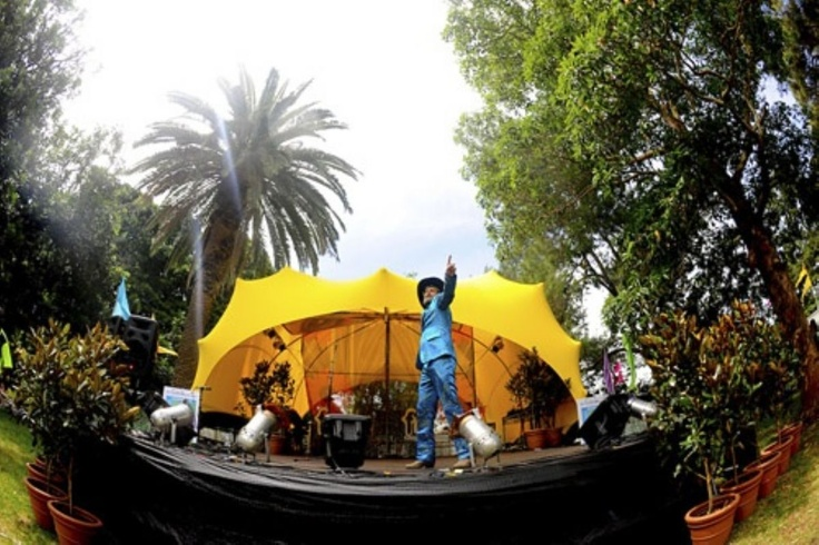 Stage cover - yellow stretch tent