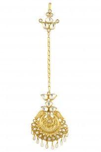 Gold Finish Crystals And Pearls Maang Tikka #perniaspopupshop #amrapali #goldfinish #intricate #jewellery #earrings #shopnow #happyshopping