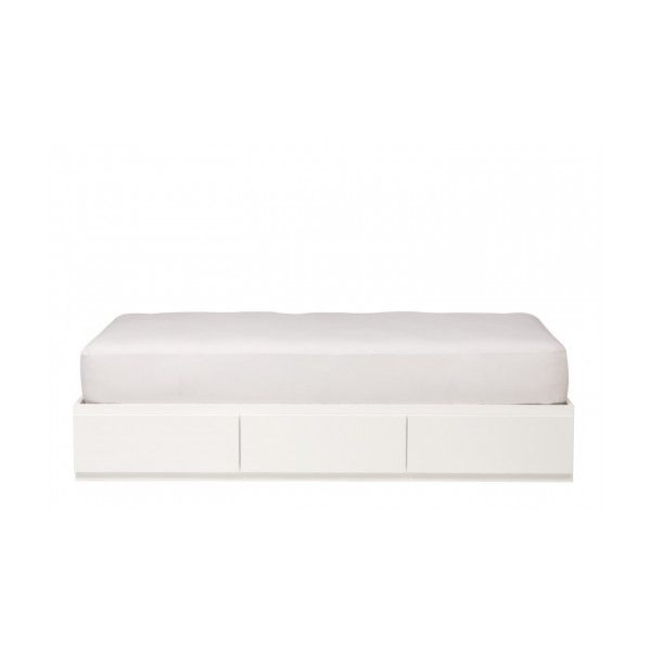 Urban Basics Queen Bed (€1.455) ❤ liked on Polyvore featuring home, furniture, beds, drawer bed, urban home furniture, queen furniture, queen bed and urban furniture