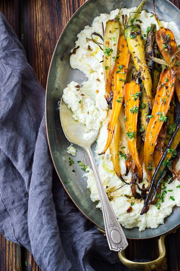 Carottes grillées glacées au miel et cumin, et ricotta - Cumin and Honey Roasted Carrots, Ricotta, and Gremolata from @bojongourmet