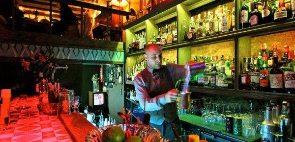 Collage - Barcelona Bar om de hoek van ons appartement.