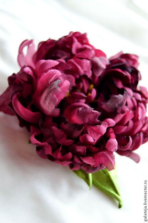 Цветы из шелка.Брошь-заколка пион София - бордовый,пион,брошь пион,пион из шелка