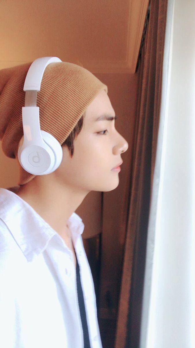 Taehyung // V ℓιкє тнιѕ ρι¢? fσℓℓσω мє fσя мσяє @αмутяαи444 ʕ•ᴥ•ʔ
