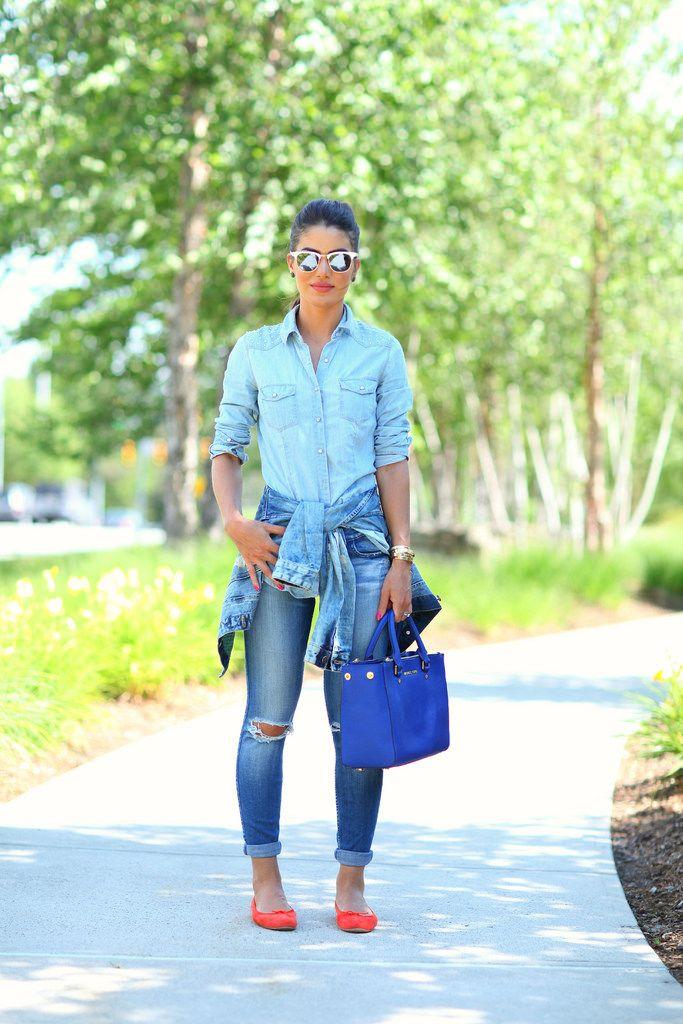 Hoje o post é para tirarmos os sapatos e as bolsas coloridas do armário e inovar nos looks neste restinho de semana!! Mas como usar esses acessórios t...