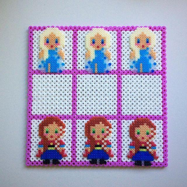 Tic Tac Toe Frozen hama mini/midi beads by enfrikarte