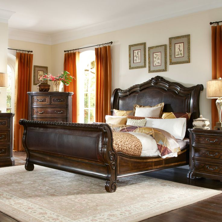 Valencia Upholstered Sleigh Bed