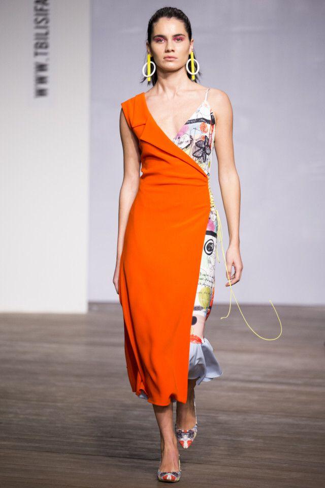 Sayya #VogueRussia #readytowear #rtw #springsummer2018 #Sayya #VogueCollections