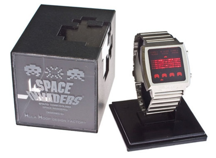 Great looking watch for the grandaddy of video games. Permanently set to 1978!