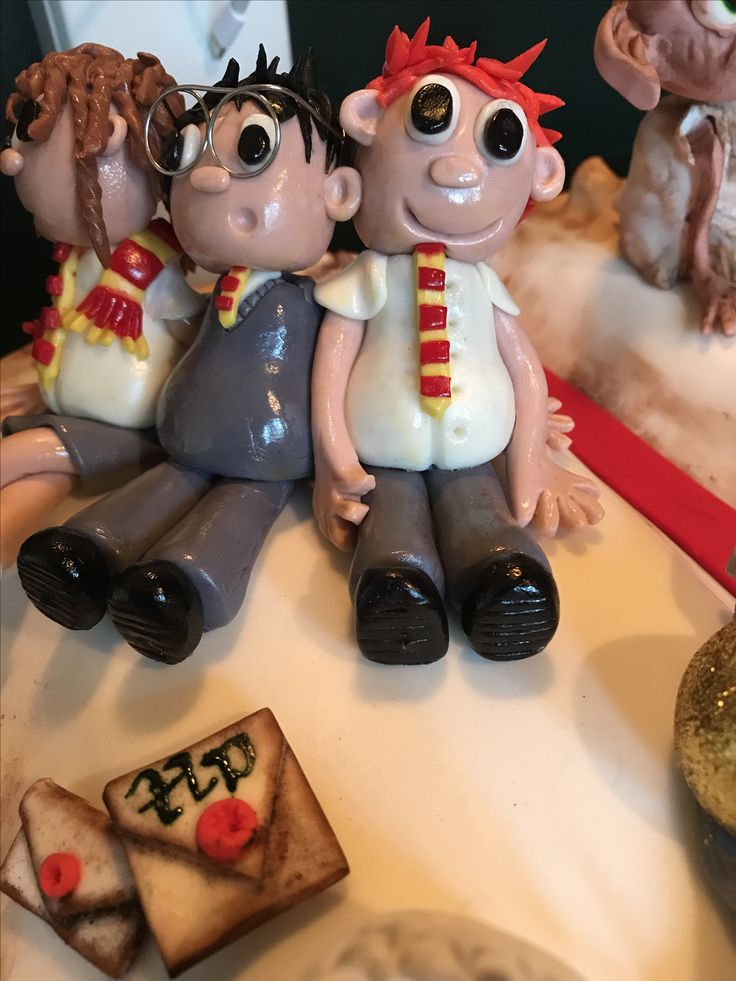 Fondant Harry Potter cake toppers