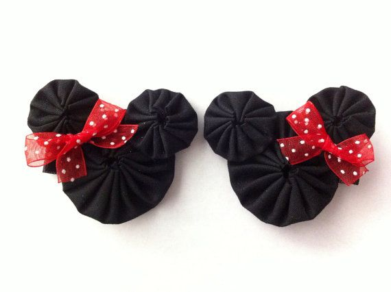 Minnie Mouse yoyo hair clips   Fun with fabric yo yos: inspiration, patterns, projects and tutorials