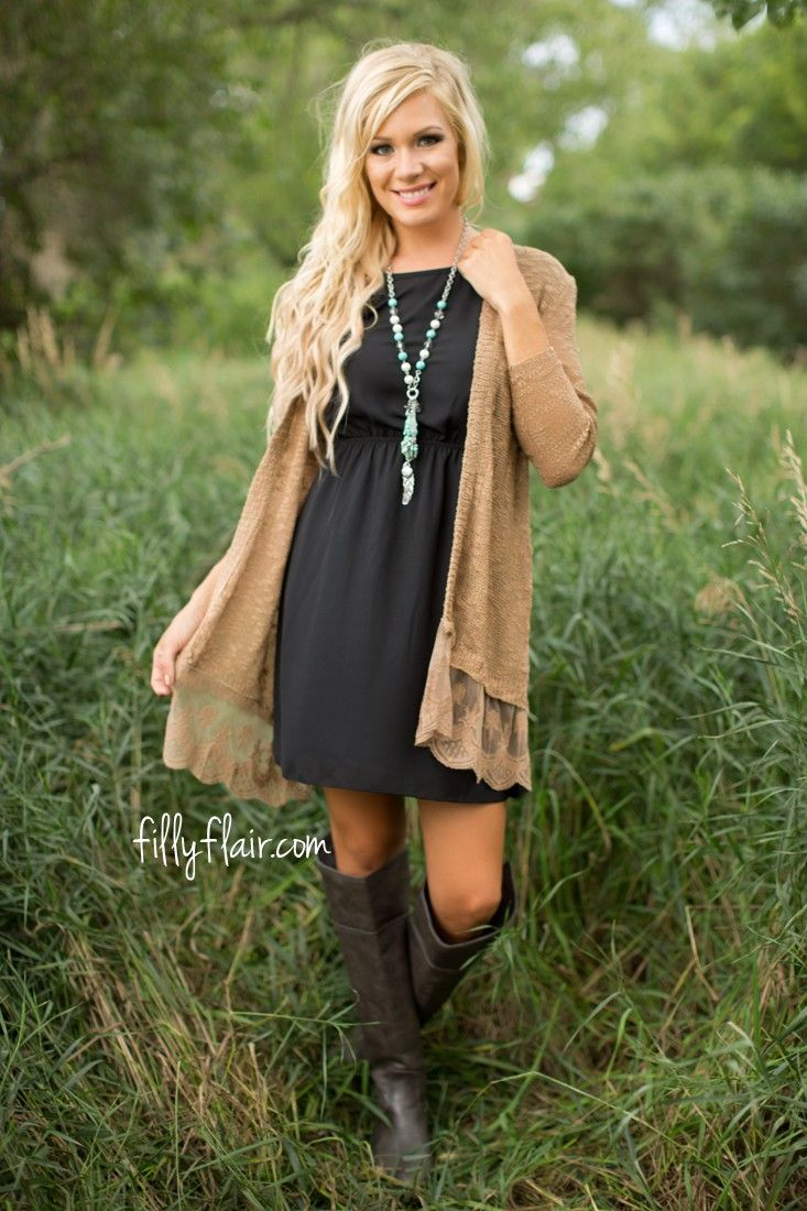 Versatile cardigan in a neutral color for your fall outfits!