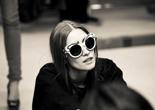 Iulia Albu... love these glasses!