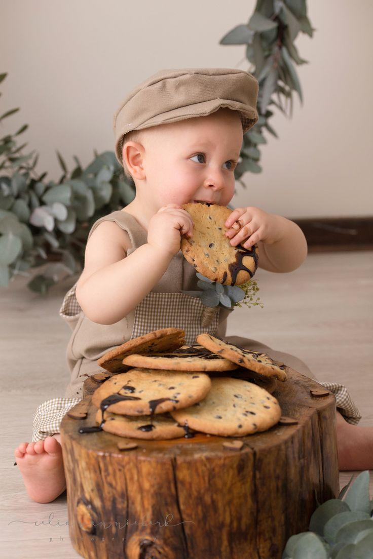 Yummy giant choc-chip cookies to celebrate baby Kian's 1st Birthday. Greenery Styling & Cookies - Pronkertjie Flower & Décor Styling Photographer - Celia van Niekerk Photography