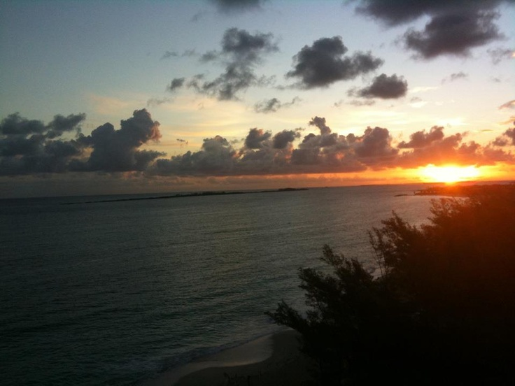 MY VERY OWN PICTURE OF A BAHAMAS SUNRISE..... IT WAS AMAZING