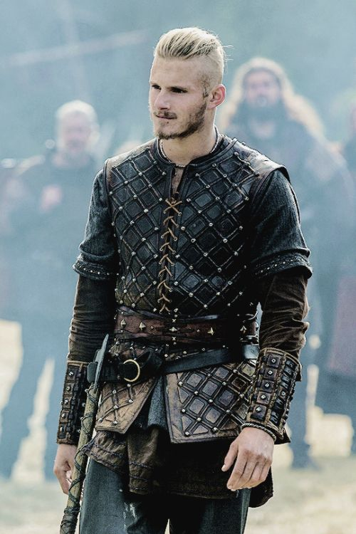 Obsessed with this man Björn Ironside (Alexander Ludwig)                                                                                                                                                                                 More