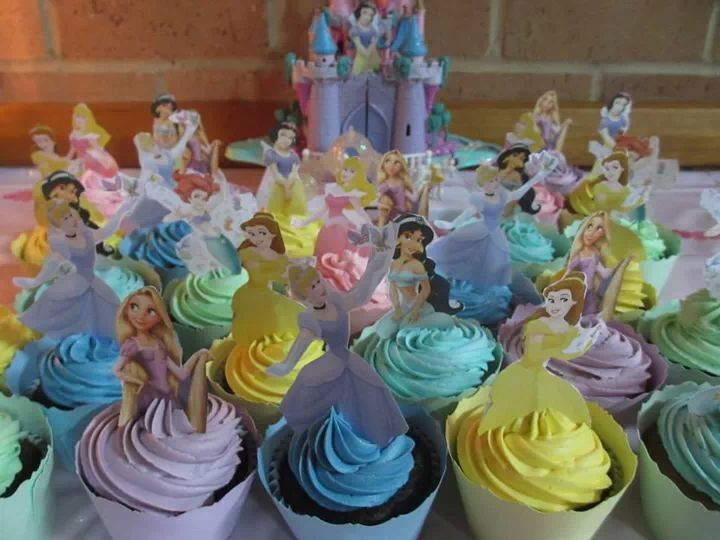 Princess cupcakes made by the very talented Melissa Kassinen @ Cakes in High Heels :)