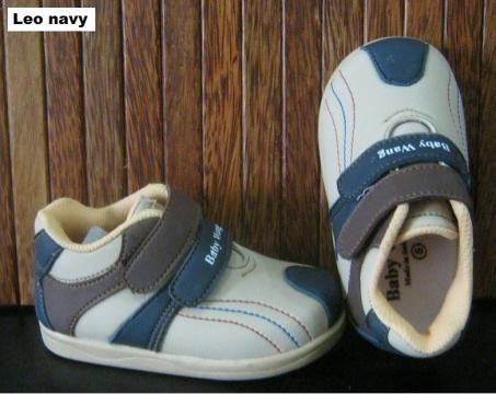 #Sepatu Anak Baby Wang (Leo navy) ~ 105ribu ~ Size : Ukuran Sol dalam (panjang kaki anak) : No. 3 : Sol 13cm (Umur 1 - 1,5 thn) No. 4 : Sol 13,5cm (Umur 1,5 - 2thn) No. 5 : Sol 14cm (Umur 2 - 2,5 thn) No. 6 : Sol 14,5cm (Umur 2,5 - 3thn)