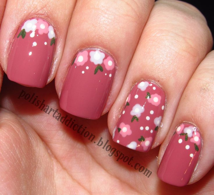 nail-art-floreale-semplice.JPG These are fantastic.