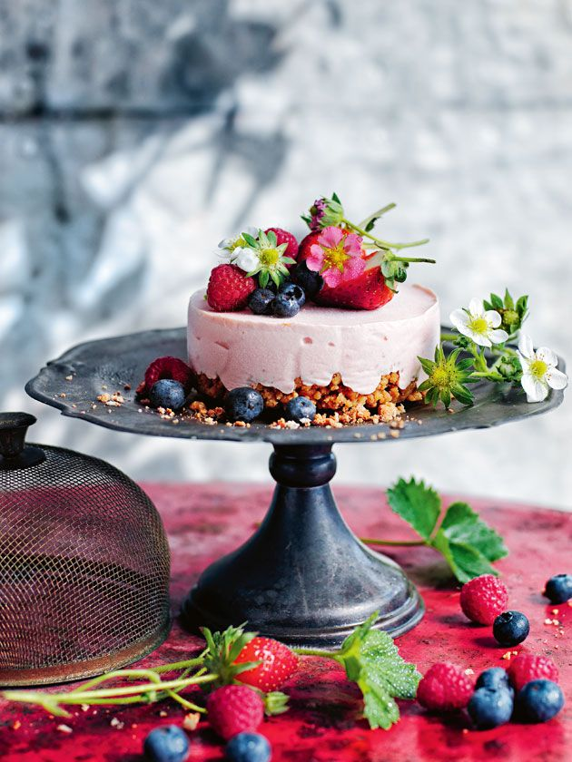 raspberry and ginger ice-cream cheesecakes