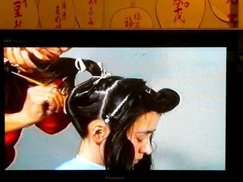 "Making ""wareshinobu"" maiko-hairstyle"