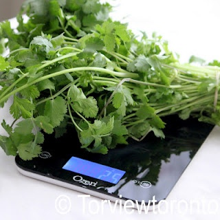 sleek scale sold on Amazon: Kitchens Scales, Scales Sold, Sleek Kitchens, Sleek Scales