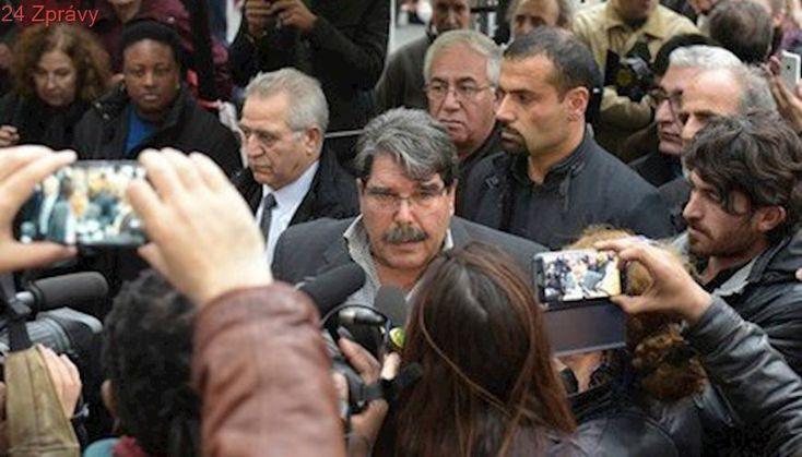 V Praze údajně zadrželi bývalého vůdce syrských Kurdů. Hledal ho Interpol