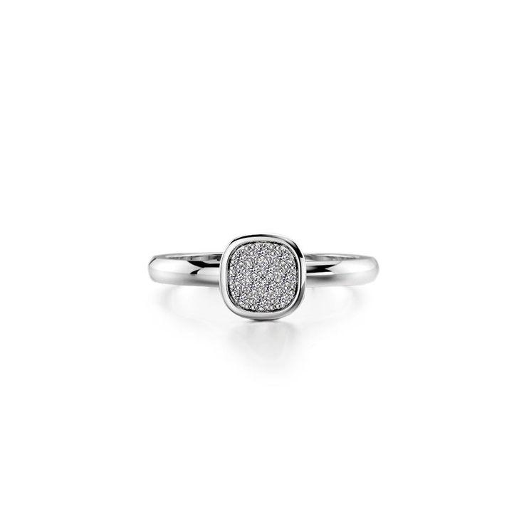 Our ring with 12 tiny diamonds in white gold. #ozjewel #sormus #häät #kihlasormus #wedding #helsinki #jewelry