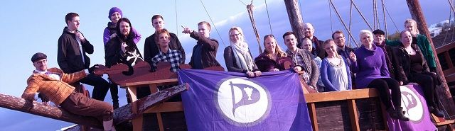 Er waait een nieuwe politieke wind door IJsland: Piratenpartij de allergrootste - http://www.ninefornews.nl/er-waait-een-nieuwe-politieke-wind-door-ijsland-piratenpartij-de-allergrootste/