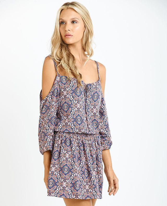 What do you think about this trendy silhouette and print? #NafNaf #AlwaysSurprising