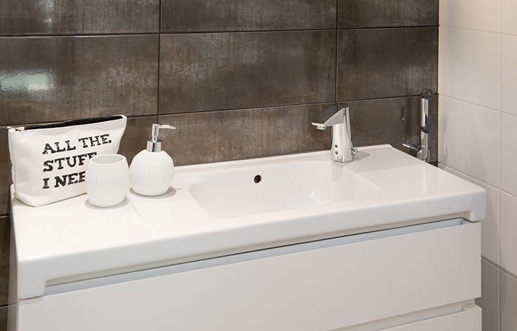 2816F Oras Cubista touchless wash basin faucet with a multipurpose hand shower Oras Bidetta.