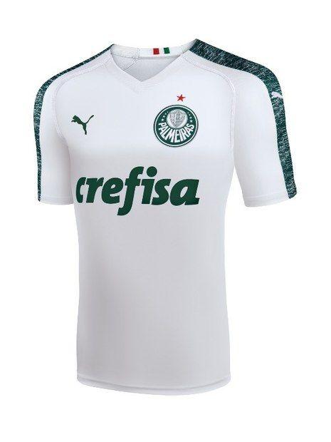 b64f04cee03 Palmeiras mostra seu novo uniforme