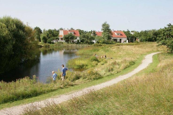 De Waddeneilanden is de perfecte locatie voor een korte vakantie.  Kijk voor de vakantiehuizen op Texel, Ameland en Terschelling eens op de website  van Recreatiewoning.nl:  http://www.recreatiewoning.nl/woning-zoeken/huur/nederland/waddeneilanden/-/-/-/1