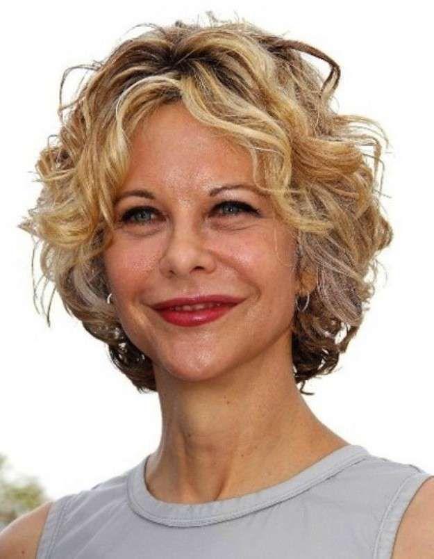 Cortes de pelo corto para mujeres de 50 años: fotos looks - Meg Rayan look