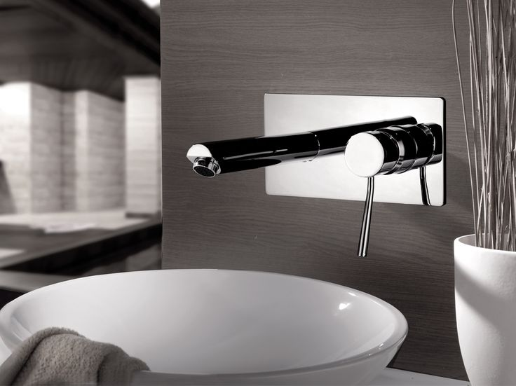 Wall-mounted washbasin mixer with plate Minimal Collection by Remer Rubinetterie
