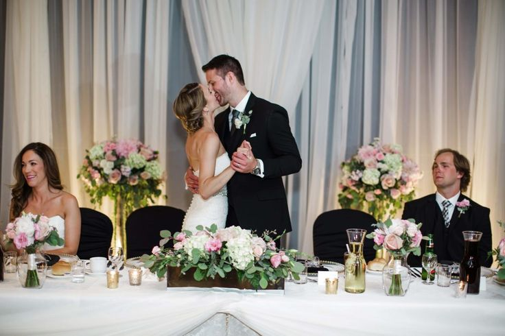 Blush wedding flowers. Photo by Caroline Ross. Flowers by Flower Towne