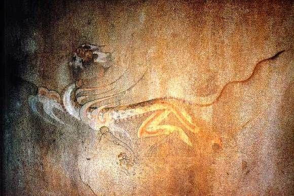 백호 흰호랑이의 모습을 형상화 하고있다고도 하고 용의 몸에 호랑이의 머리를 가지고 있었다고도 하네요 서쪽을 상징하는 신수로 쇠의 속성을 지닙니다 가을을 관장한다고 해요