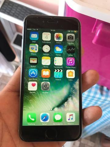 Vendo iPhone 6 16g trincado pra sair agora !! Não aceito oferta! Não abaixo o valor Troco por outro aparelho com volta de 500 reais, mesmo trincado ! Interessados chamar no WhatsApp: 9803647...