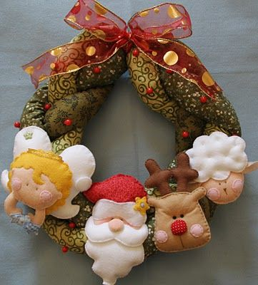 ericacatarina.blogspot.com: Guirlanda Da, A Menina, Felt Christmas, Felt Crafts, Enfeit De Natal, Felt Diy, Felt Ornaments, Winter Christmas, Christmas Felt