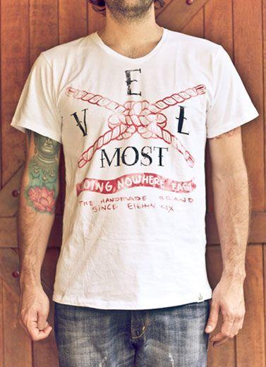 Camisas Velmost diseñadas por Alejandro Giraldo.