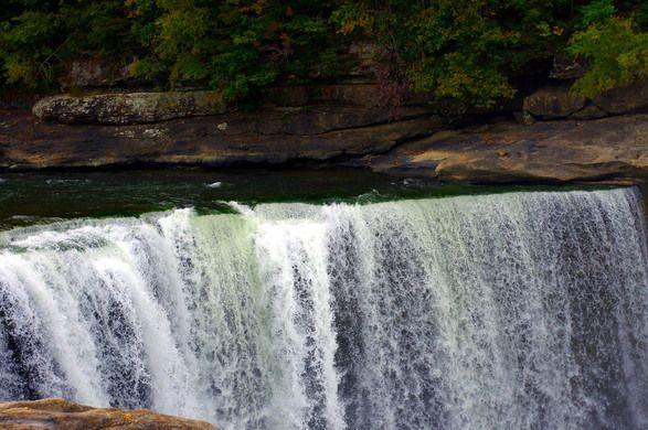 The Cumberland Falls – Williamsburg, Kentucky   Atlas Obscura