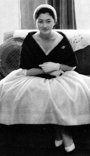 美智子皇后陛下 ; 皇太子継宮明仁親王妃美智子(つぐのみやあきひとしんのうひみちこ)殿下時代