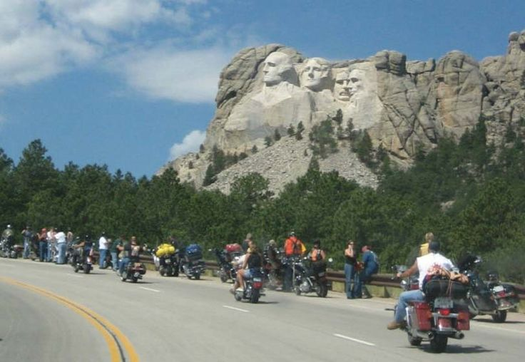 Mount Rushmore National Park | It costed 8 dollars to park at Mt Rushmore and our national park pass ...