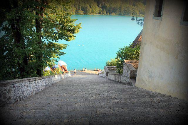 Blejski Grad | Bled Castle - Slovenia http://kialacamper.altervista.org/joomla/diariviaggiestero/1529-primo-assaggio-d-estate-meravigliosa-slovenia?showall=1